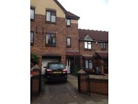 Large 4/5 bedroom townhouse B27