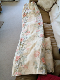 Pair of Floral pattern curtains, lined