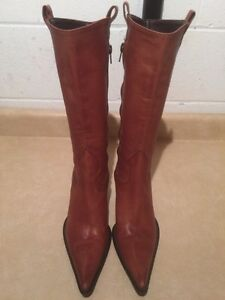 Women's Tall Leather Heels Size 6.5 London Ontario image 4