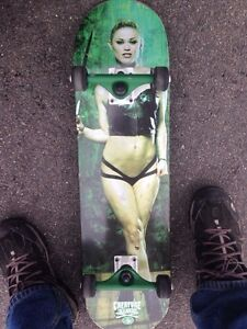 Creature babes deck and independent trucks