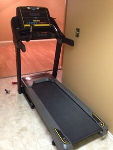 New Livestrong Gym Quality Treadmill