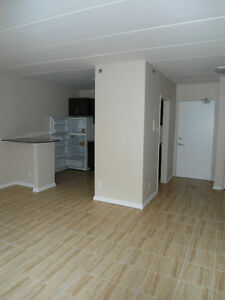 Renovated suite minutes away from Broadway/Downtown!