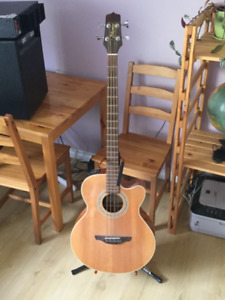Takamine EG512C acoustic/electric bass For sale