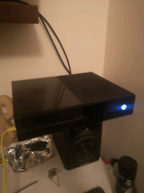 Xbox One 500GB One controller