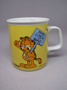 Pair vintage Garfield mugs novelty Aquarius Valentine's $20
