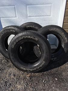 pneu Goodyear Wrangler  P265/70R17