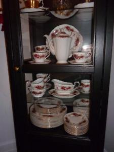 Service de vaisselle Paragon Majestic England 64 morceaux (151)