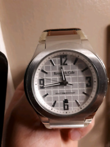 AMAZING NEVER WORN KENNETH COLE WATCH !!!!!!!