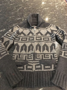 XS ARITZIA TNA WOOL SWEATER