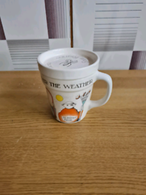Tea mug with lid in good condition