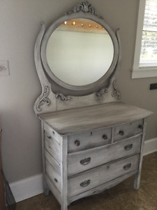 Antique Dresser with removable mirror