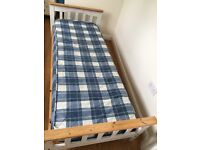 Single bed wood compact
