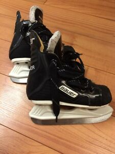 Junior Bauer skates 9E