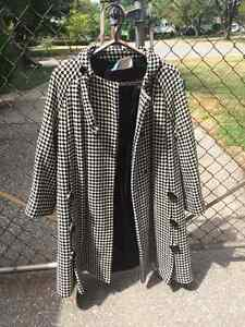 .actual 1960s Houndtooth Coat with button detail Windsor Region Ontario image 1