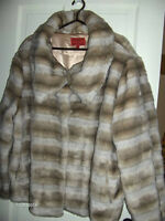 Ladies Winter Coat - like new condition - very warm - 3X - $25