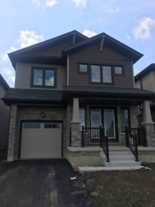 Detached House for RENT - Stoneycreek, ON