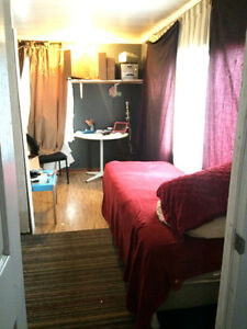 Room for rent shared living $35.00 nightly