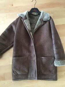 Manteau en véritable peau de mouton- Grandeur 4 -Femme