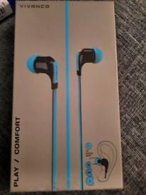 Blue brand new in ear earphones