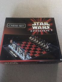 Star Wars chess set episode 1 **open to sensible offers**