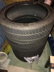 Selling 4 pirelli scorpion winter tires 245/45/R20