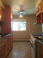 BACH,1 &2 BEDROOM AT 9035 99ST-FEB FREE-NEAR WHYTE AVE&DOWNTOWN