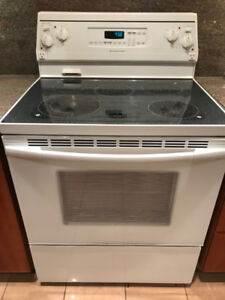 Stove in Excellent Condition!