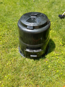 Earth Machine 80 gal. Composter