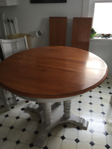 Original Pedestal Table and Chairs