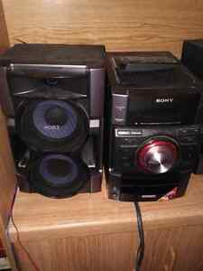 Sony stereo, speaker and bass  Stratford Kitchener Area image 1