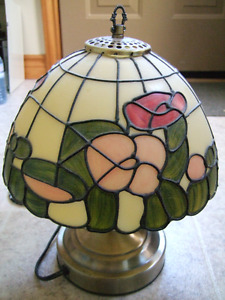 Nice pretty coloured lamp- $10