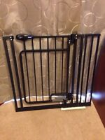 Top paws hands free pet gate