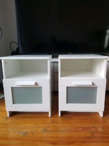 IKEA Nightstand/ Table de chevet