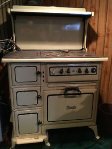 Beach Combination Coal/Electric Antique Cookstove
