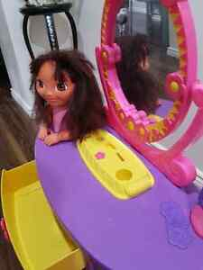 Kids Hairdresser Table Toy Cambridge Kitchener Area image 2