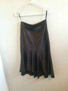 Modern Black Skirt - Le Chateau