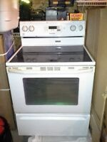 White Maytag Stove/Oven Ceramic Top