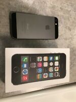 Like new, immaculate 16G space grey iPhone 5S