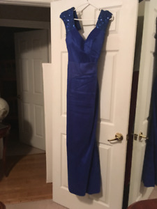 Stunning Evening Gown/Dress Semi-formal or Formal