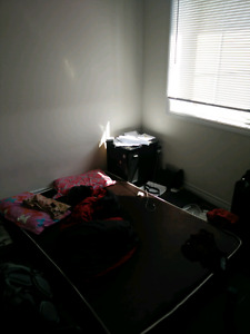 Room available for sharing in a 4bedroom house