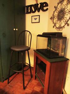 Swivel Bar / Kitchen - Chair / Stool