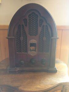 GE 1988 am/fm cathedral 1930s style radio