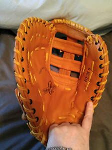 Right handed first base glove rawlings 13 inch
