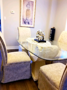 Dining Table, 4 chairs and columns