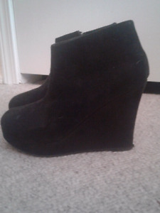 Women shoes size 6
