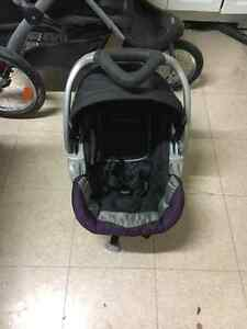 Baby trend jogging stroller and car seat with two bases Sarnia Sarnia Area image 3