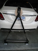 Motor home tow bar and hitch