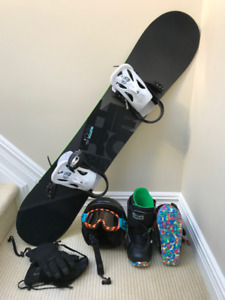 Snowboard Burton for Youth – board, boots, helmet etc.