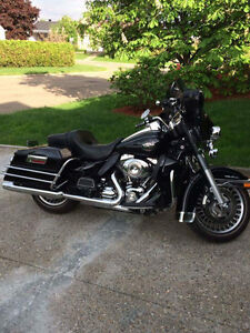 Magnifique Harley FLHTCU à vendre