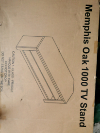 Tv stand memphis oak 1000 new in the box